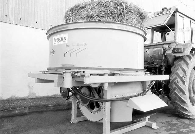 Prototype Big Round Bale Shredder
