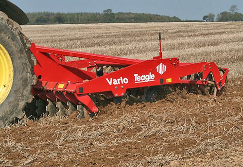 Vario One-pass Cultivator Hover